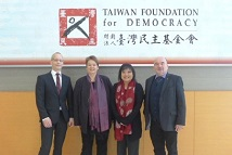 Visit of the Federal Foundation for the Reappraisal of the SED Dictatorship- Group photo from left to right: Dr. Robert Grünbaum, Deputy Director of the Federal Foundation for the Study of Communist Dictatorship in East Germany; Dr. Sabine Kuder, head of exhibitions and international relations; Ketty W. Chen Vice President of the Taiwan Foundation for Democracy and Mr. Rainer Eppelmann Chairman of the Federal Foundation for the Study of Communist Dictatorship in East Germany.