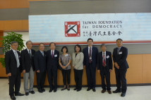 Visit of TAPSA - From left to right, Minister Lee, Dr. Tse-min Lin, Wei-chin Lee, Dr. John Hsieh, Dr. Pei-te Lien, VP Ketty Y. Chen, VP Lu, Dr. TJ Chen and Dr. TY Wang.